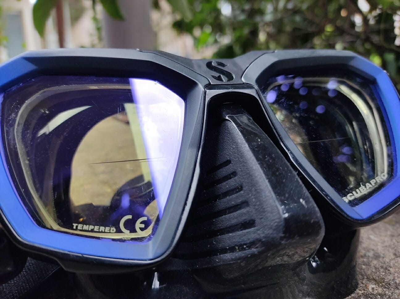 Up close view of a scuba pro d-mask with bifocal lenses